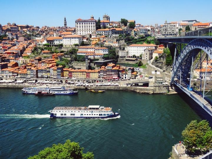 PORTO – Les ponts, le vin et lesazulejos